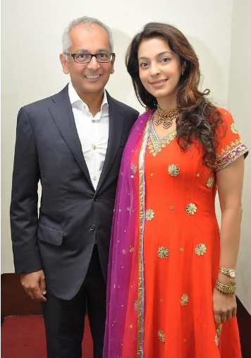 bollywood-couples-juhi